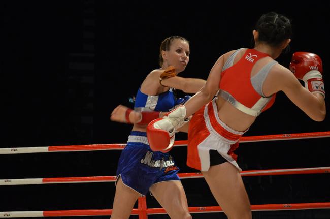 Foreign Women Muay Thai Year 88