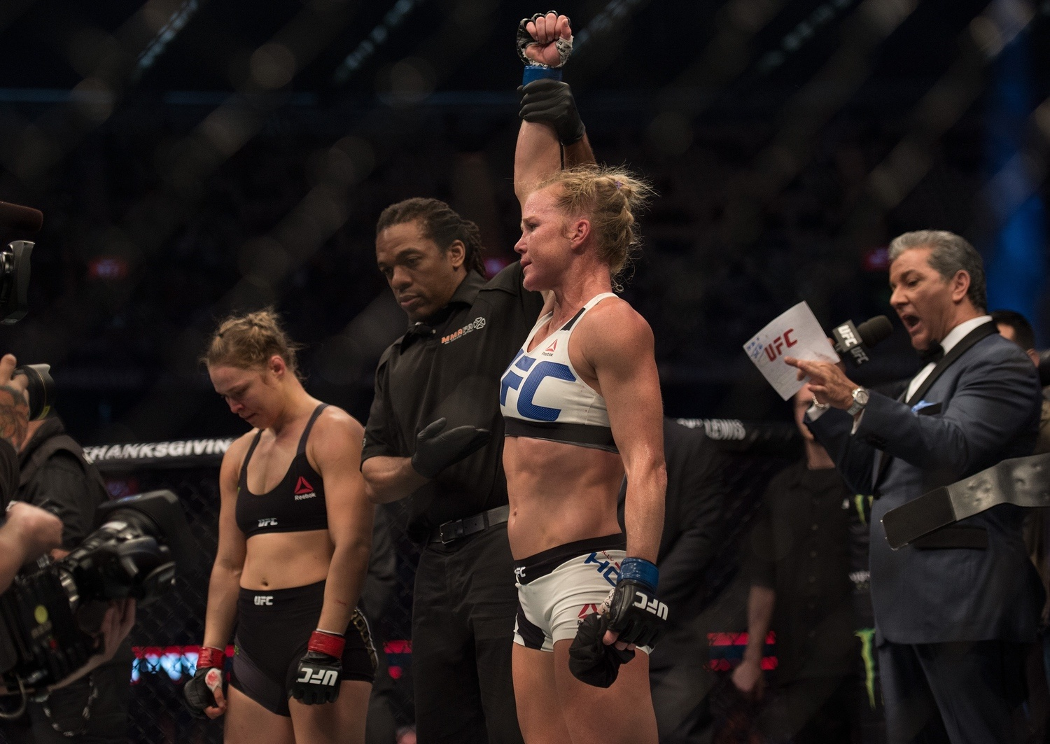 UFC 193 Quick Results: Rousey ...