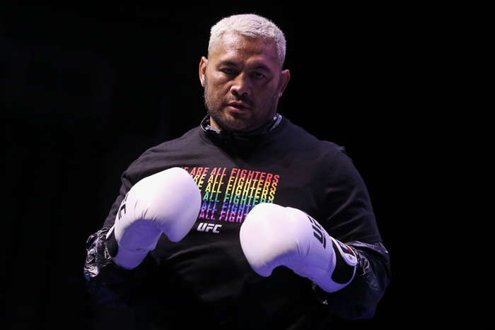 community news, Mark Hunt Now Says Hell Sue Any Fighter Who Fights Him Under the Influence of PEDs