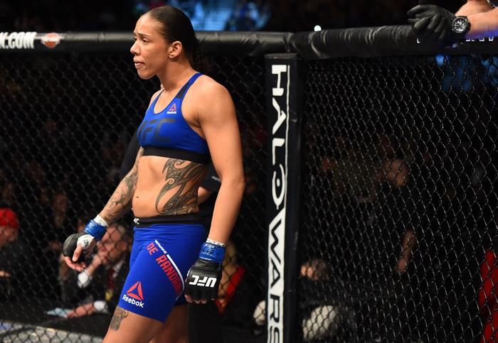 UFC 208 Quick Results: De Randamie Captures Featherweight Gold
